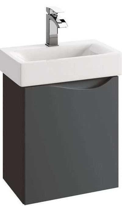 Meble łazienkowe z litego drewna – luksus dla każdego?